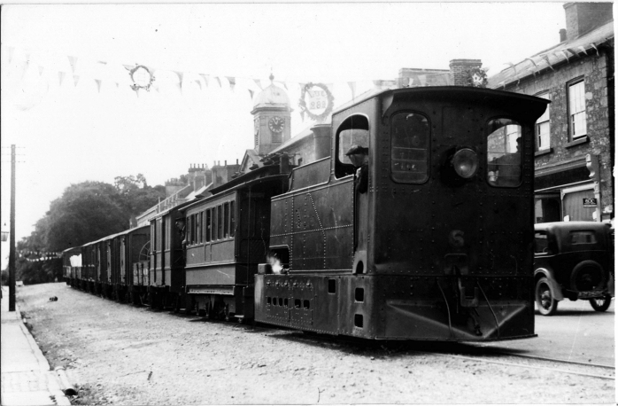 CVR train in Main St Caledon (TG4 photo)