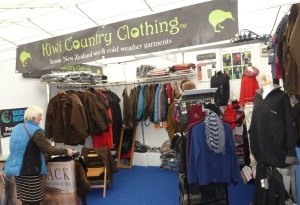 Kiwi Country Clothing Stand