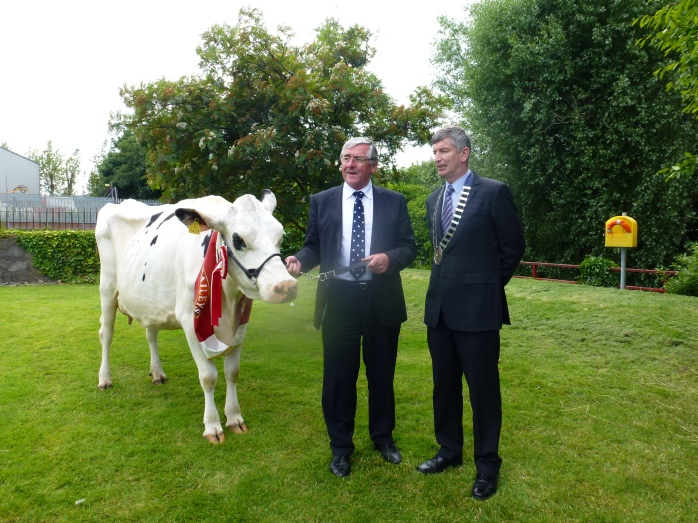 Minister of State Tom Hates TD & Liam Lavelle, President GAJ