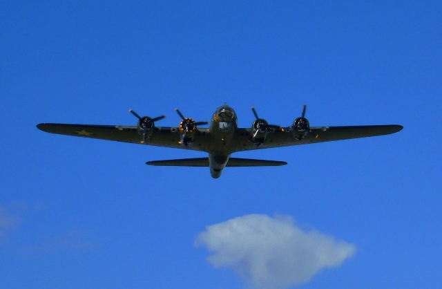 Boeing B-17 Flying Fortress Bomber 'Sally B' above Belfast Photo: © Michael Fisher