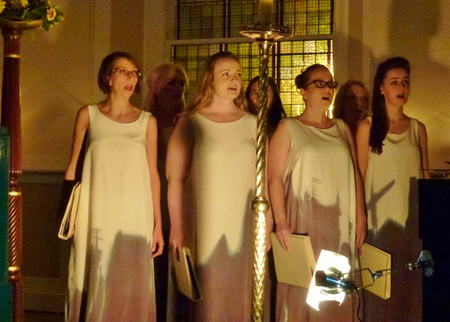 Choir: Belfast by Moonlight Photo: © Michael Fisher
