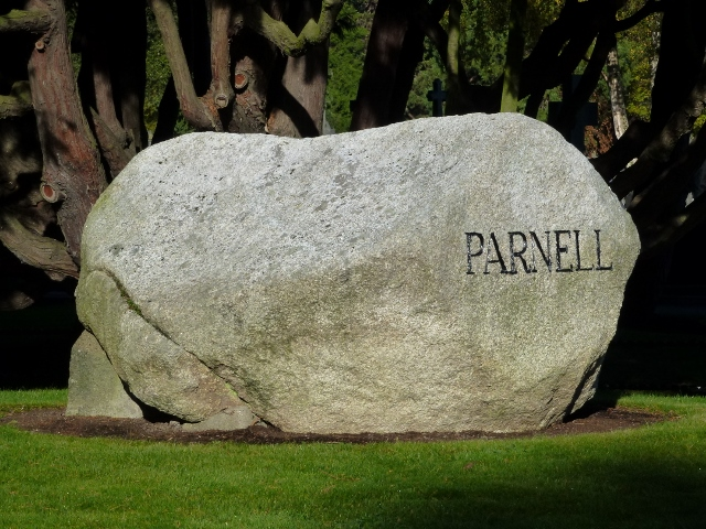 Parnell grave at Glasnevin cemetery  Photo: © Michael Fisher