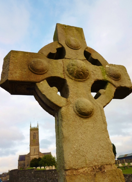 Tynan Cross & Parish Church  Photo: © Michael Fisher