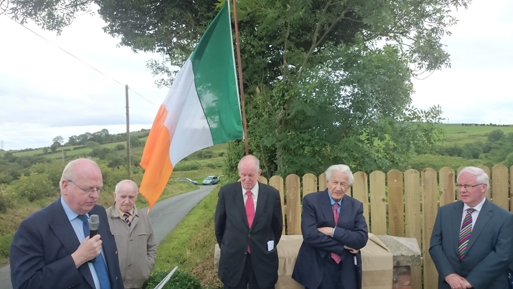 MEMORIAL TO DR PADDY MAC CARVILL (1/6)