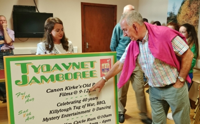Seamus McCarville outlines the programme for Tydavnet Jamboree  Photo:  © Michael Fisher